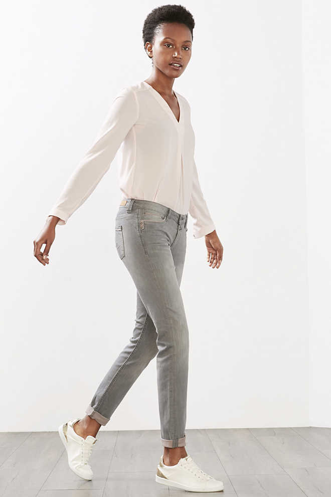 EDC / Stretch jeans with pastel contrasts