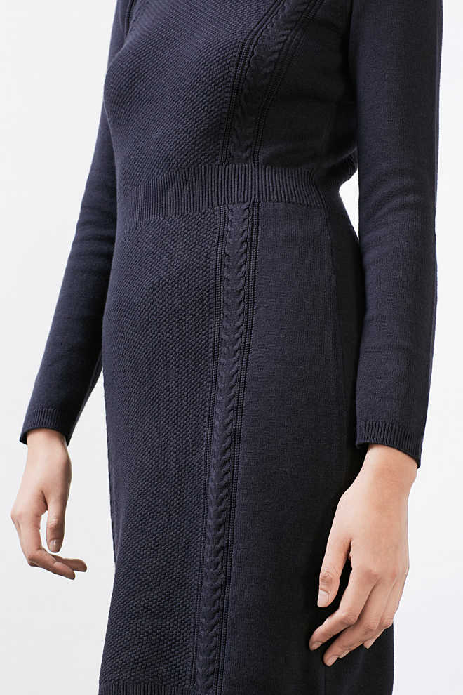EDC / Knit dress with textured pattern