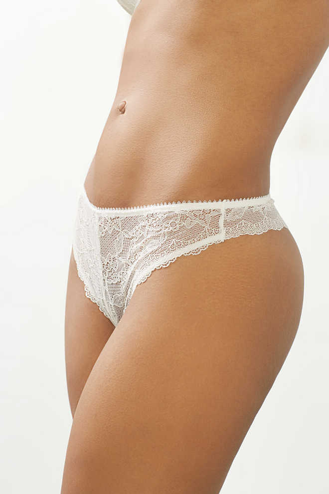 EDC / Filigree lace hipster thong