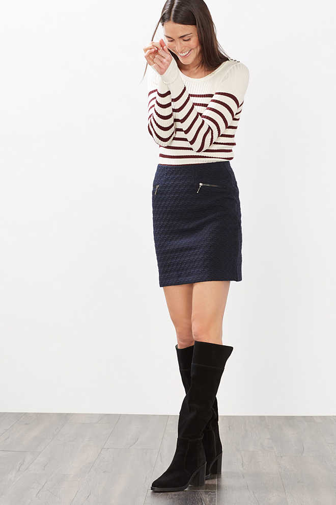 Esprit / Jersey skirt + tone-in-tone jacquard pattern