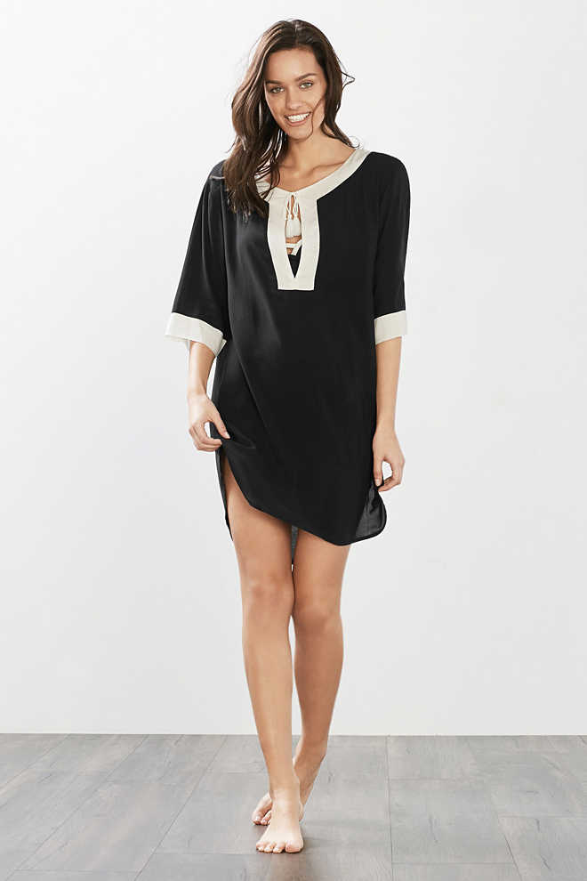 Esprit / Flowing beach tunic in a simple look