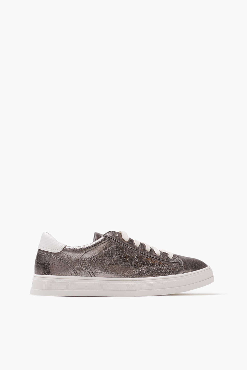 Trendy faux leather trainers in a metallic look with a rubber sole