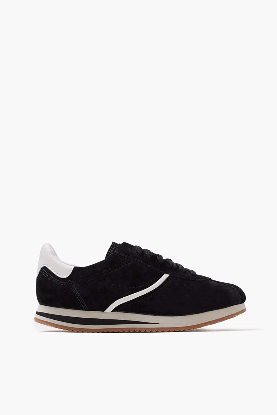 Retro, lace-up trainers made of suede with a contrasting sole