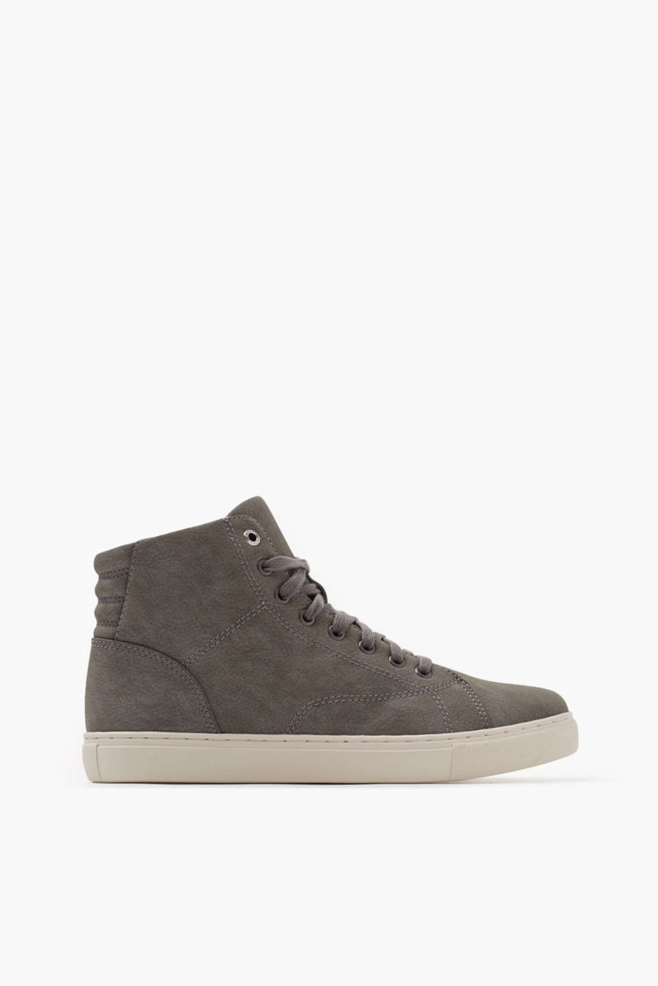 Trend style in a high top design with a zip