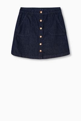 Button-fastening denim skirt