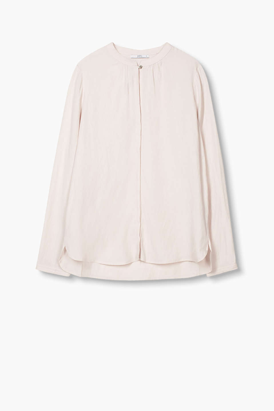 Crafted from softly draped blended viscose, this blouse is minimalist and feminine at the same time
