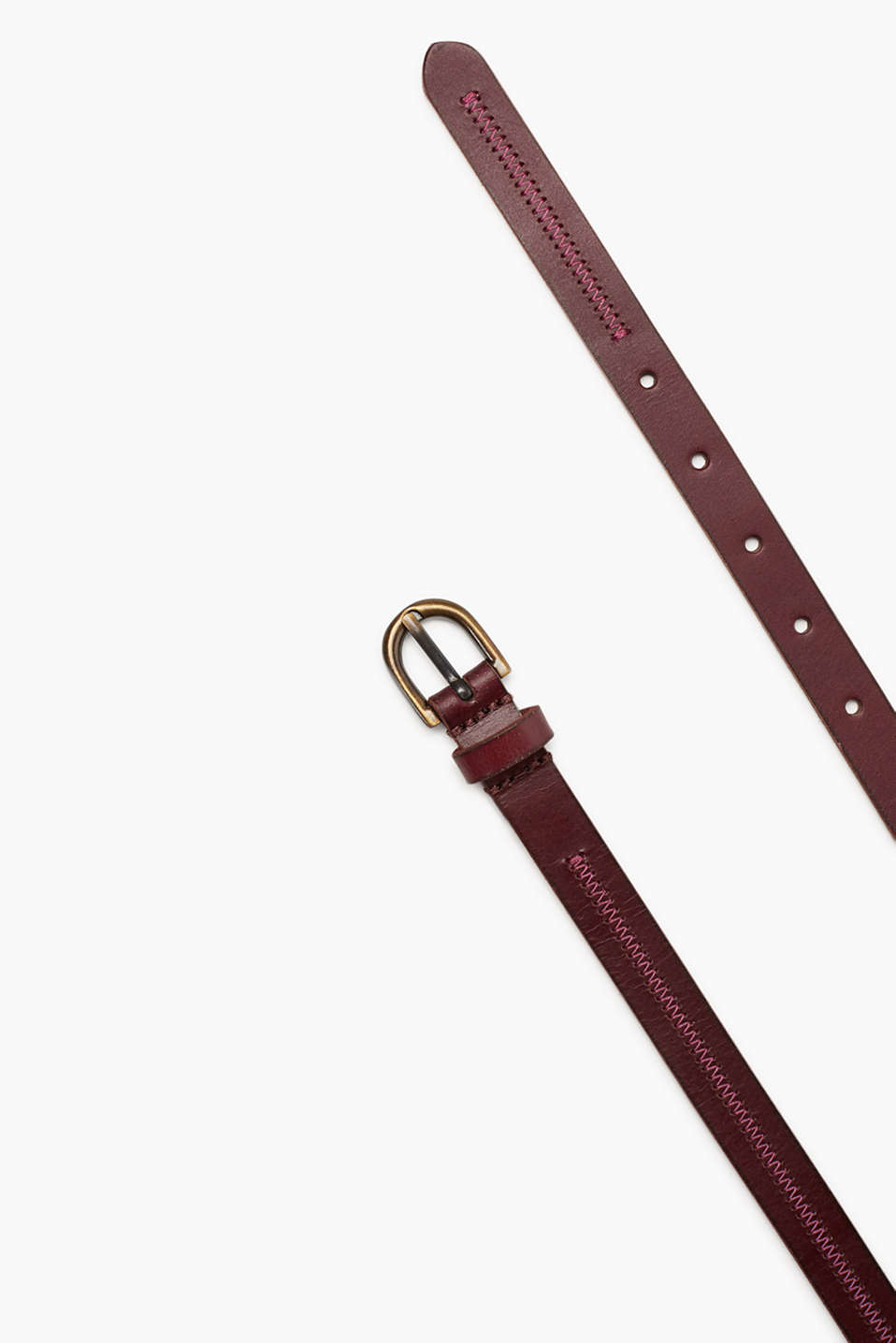 Narrow belt in high-quality, smooth buffalo leather with embroidery and a vintage flair