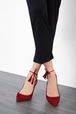 Cut-Out Pumps aus 100% Veloursleder