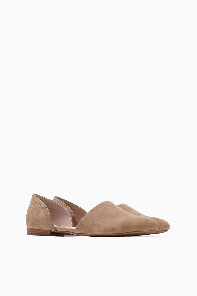 Esprit / Slipper in Leder-Optik