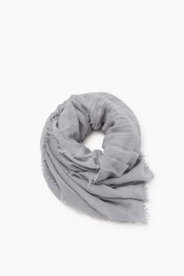 Lightweight scarf with wool