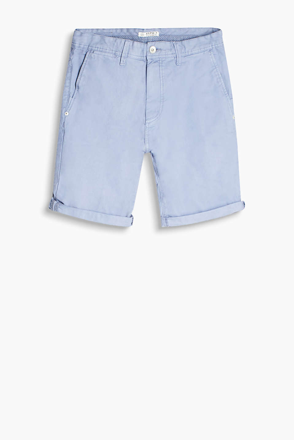 Denim Bermudas in an unembellished wash and classic 5 pocket design