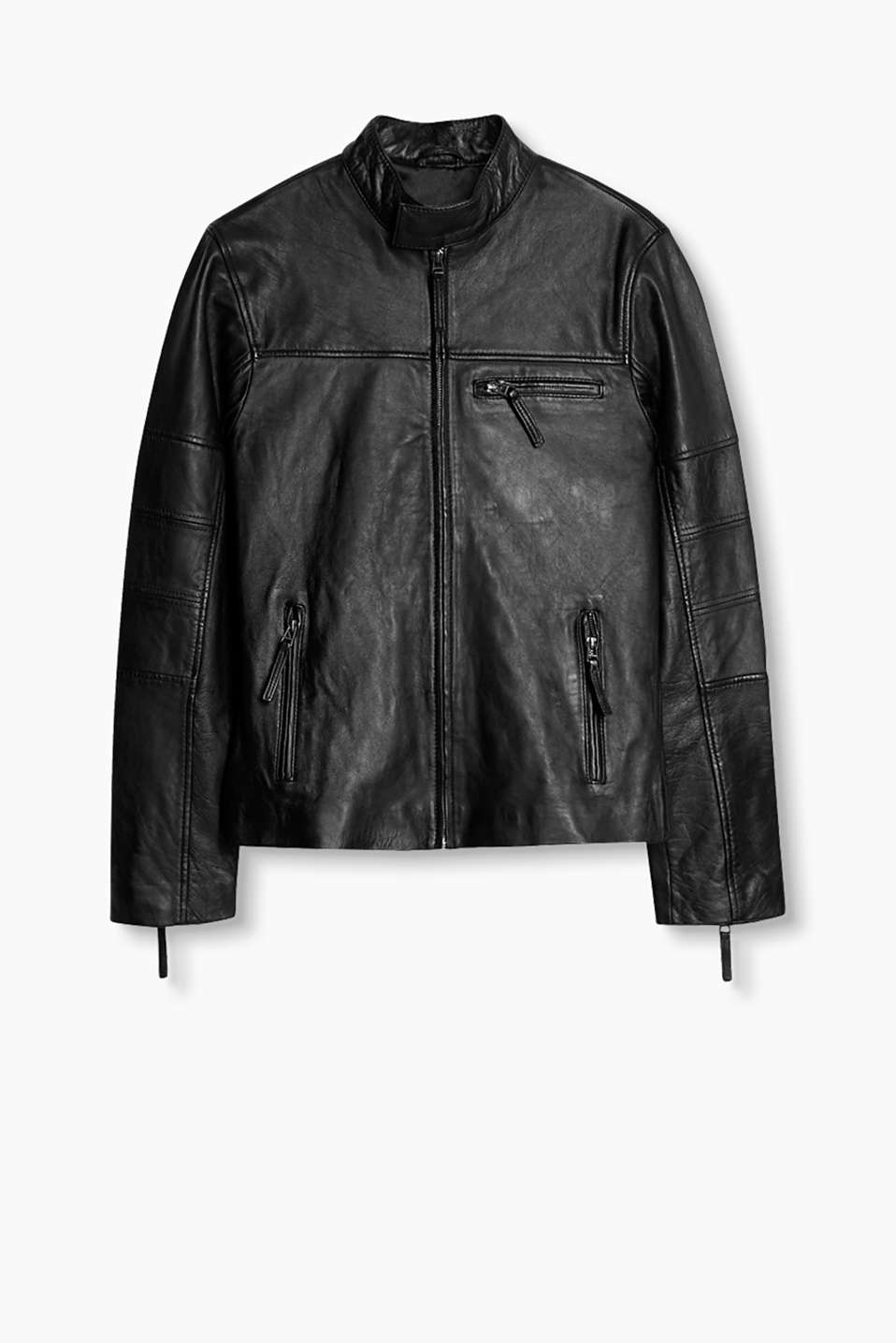 Timeless biker look: Leather jacket in a minimalist look