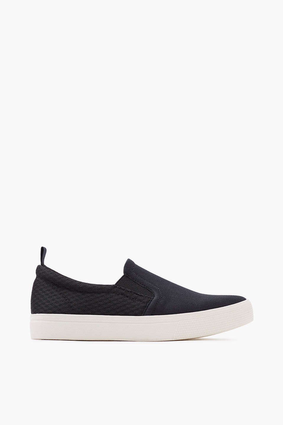 Trendy slip-on trainers with a rubber sole, made of cotton canvas