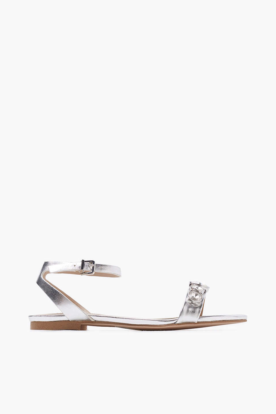 We love flats! Flat sandals with ankle straps