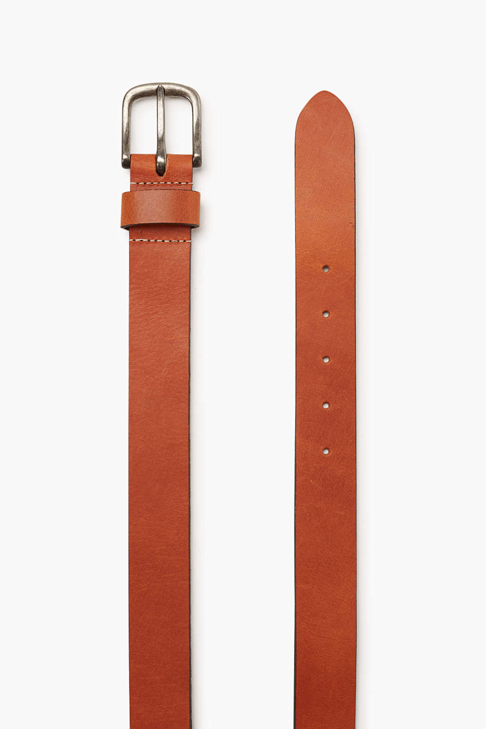 Made of smooth buffalo leather: Belt with classic five buckle holes