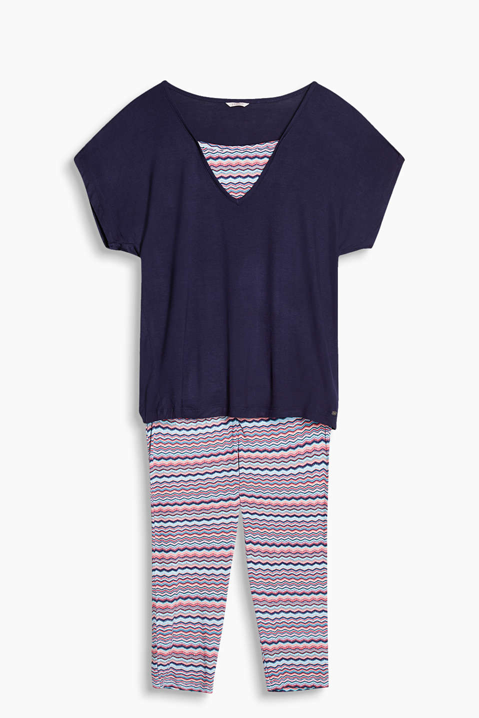 Summery pyjamas with a plain-coloured top and capri bottoms in a colourful zigzag design, stretch jersey