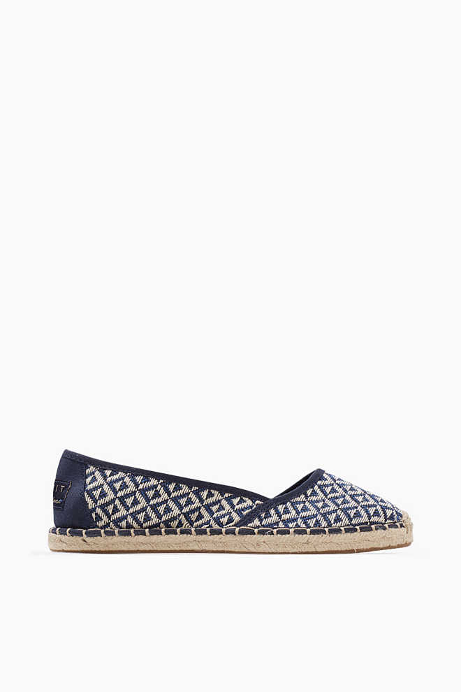 Esprit / Slipper im Ethno-Look