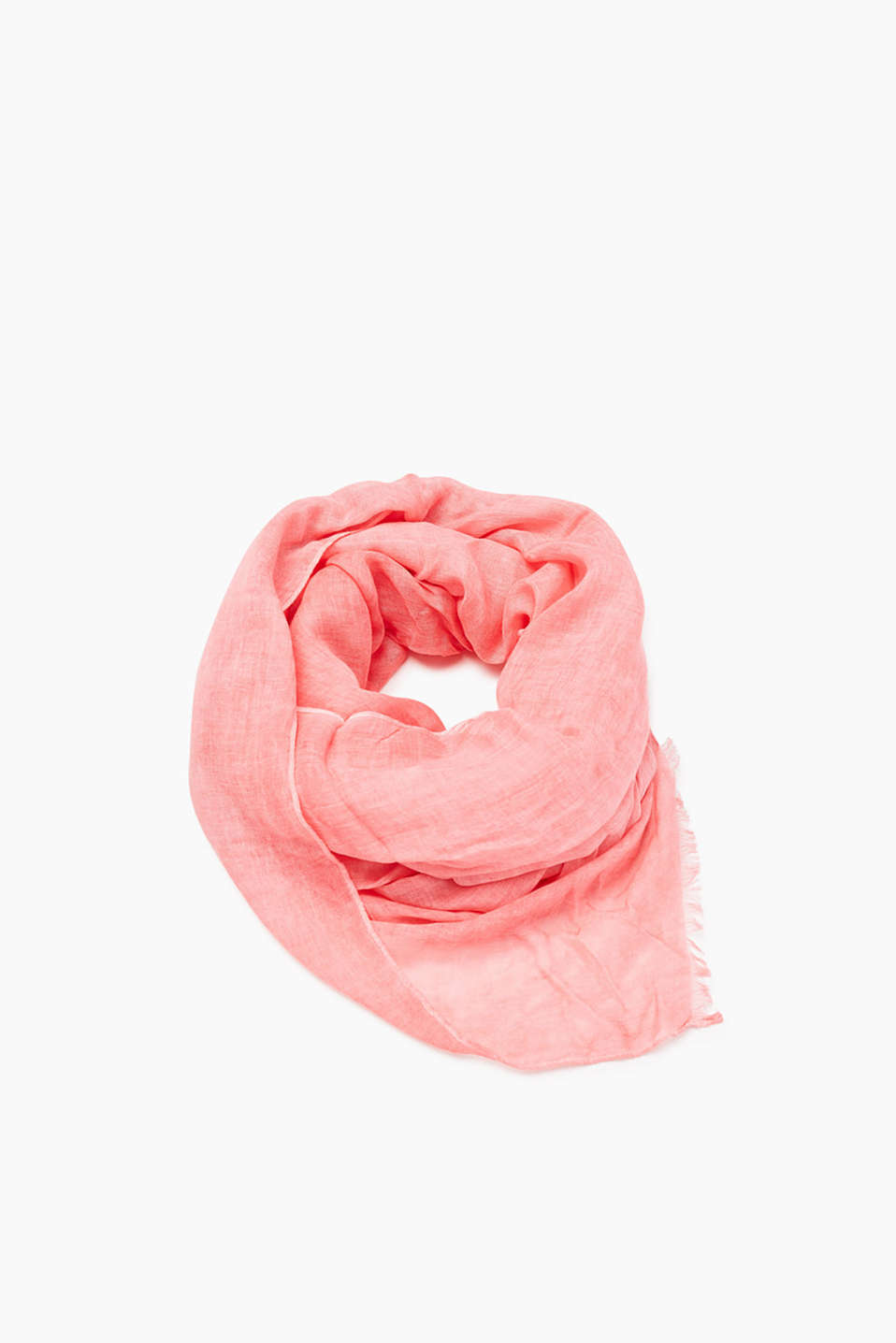 In lightweight viscose fabric: scarf in an oversized format