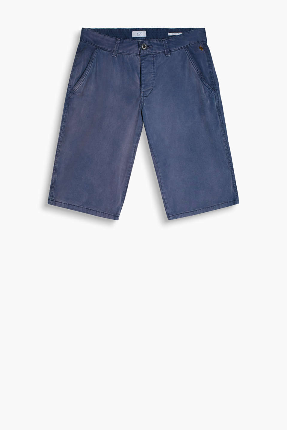 With intensive garment-washed effects: shorts made of smooth cotton twill