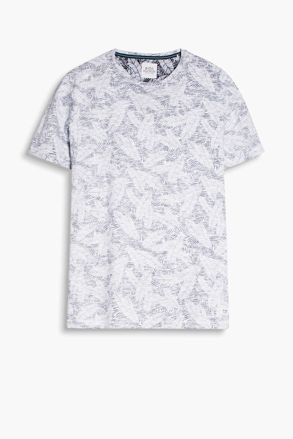 With an inside-out print: C-neck T-shirt