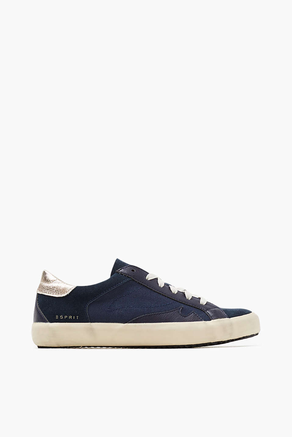 Made of a leather/canvas mix: lace-up trainers