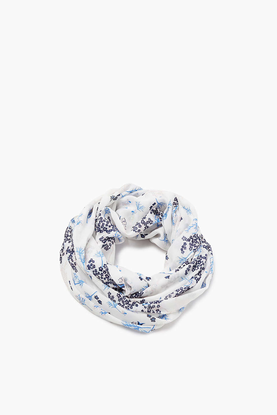 Snood in a summery look made of soft fabric