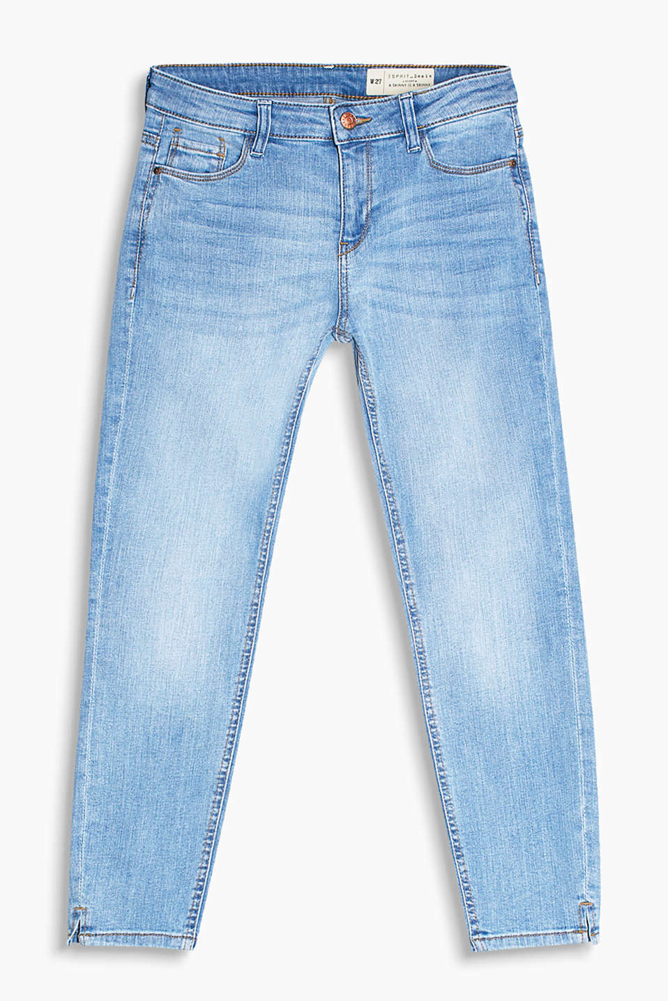 Cropped stretch jeans in a summery wash with hem slits