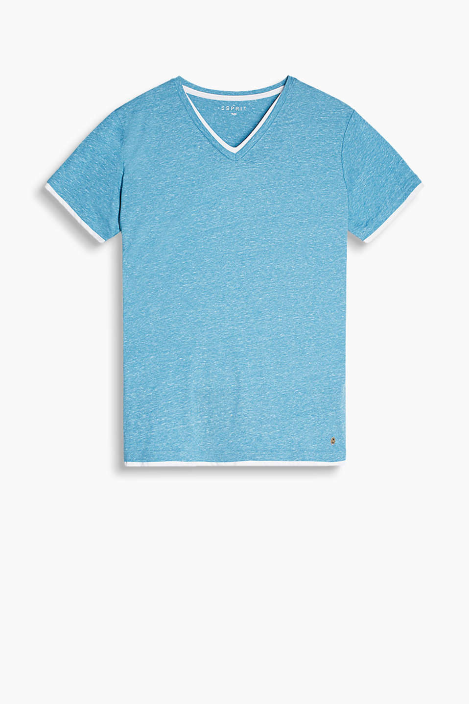 V-neck T-shirt in a stylish layered look