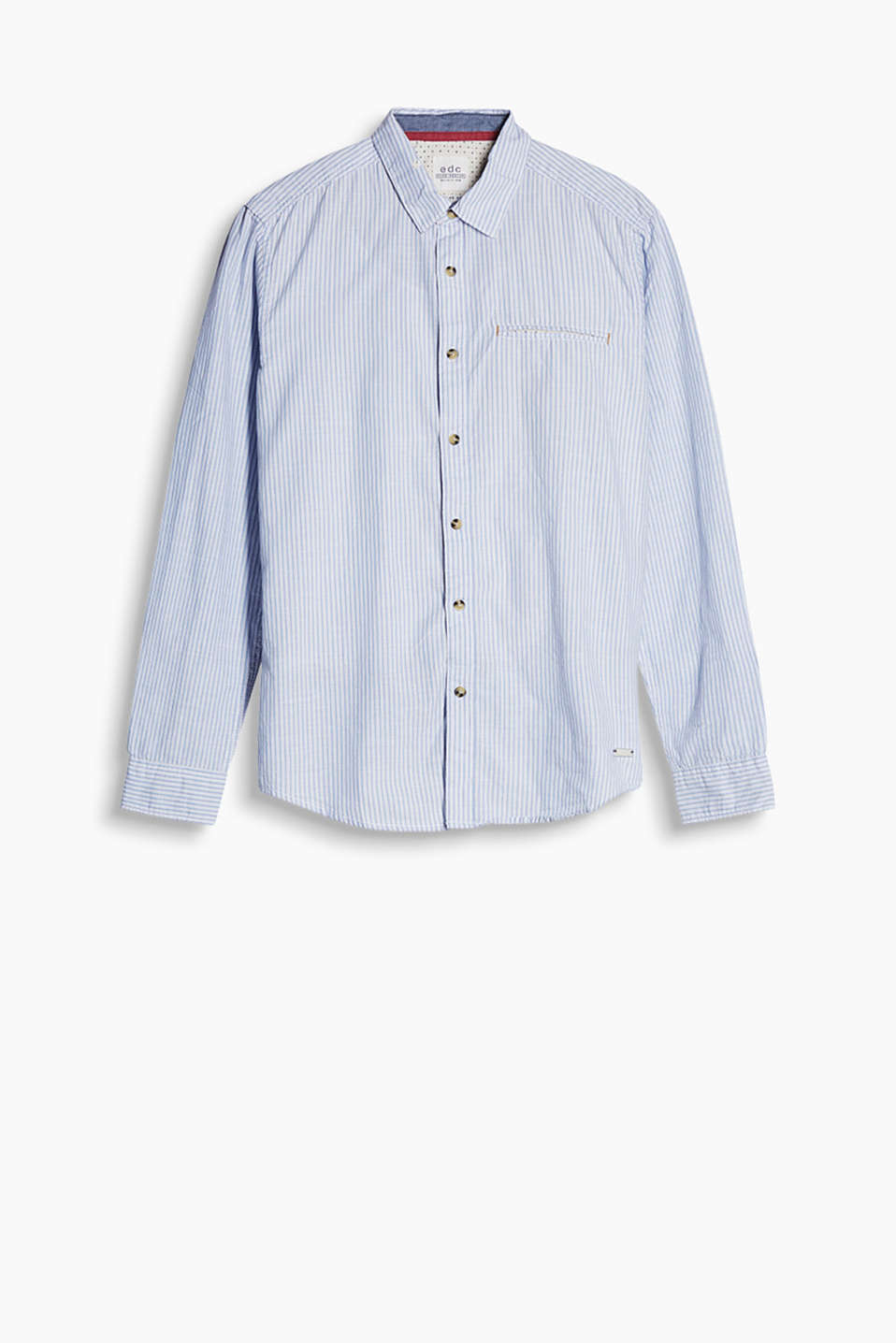 Shirt with a welt pocket on the chest and accent coloured trims, made from cotton chambray with a fine melange finish