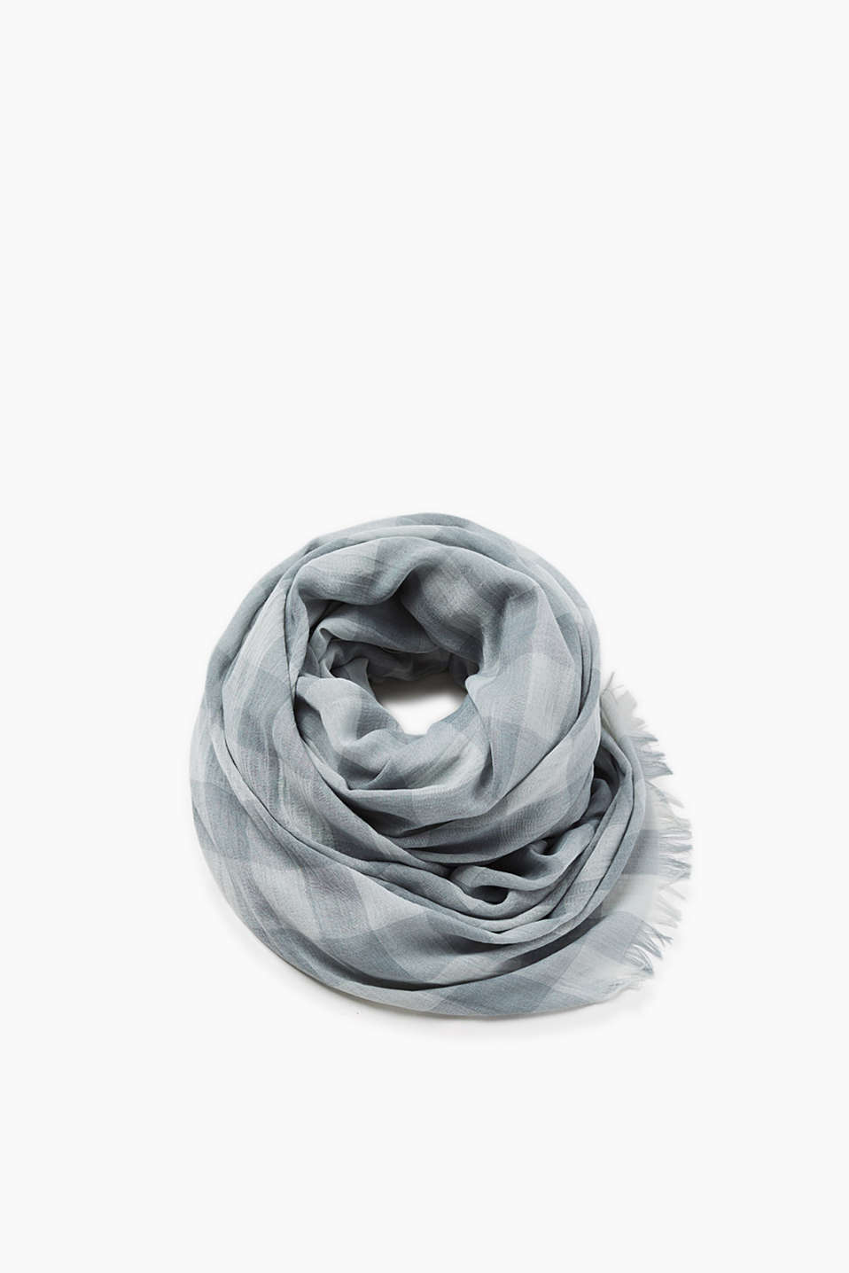 Lightweight scarf with a modern check pattern and fine fringing