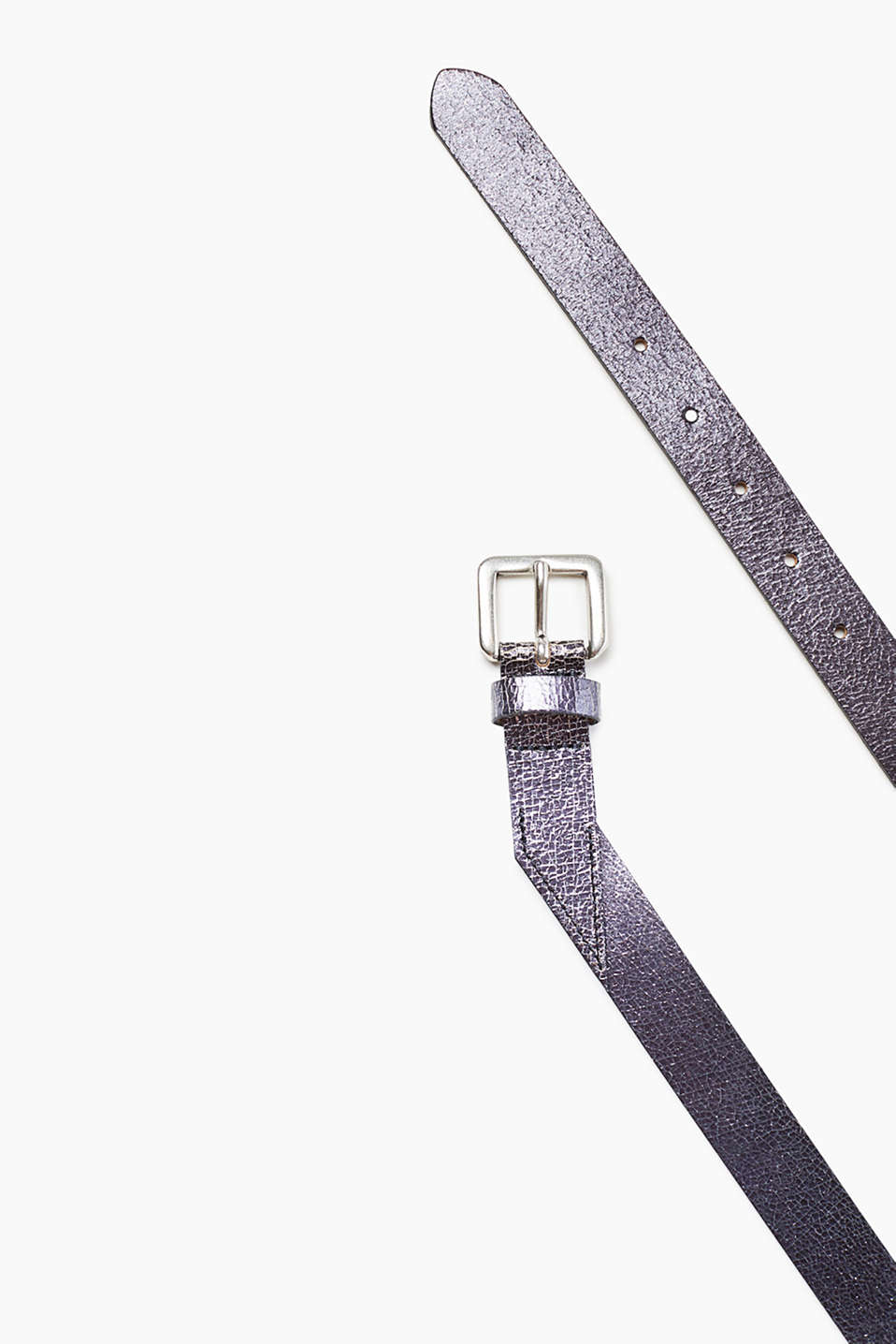 Asymmetric belt in a grained metallic look, in smooth cowhide leather
