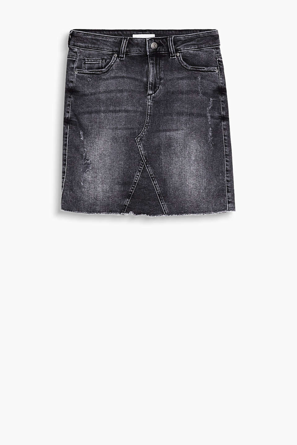 Skirt in stretch denim with a frayed hem in a cool vintage style