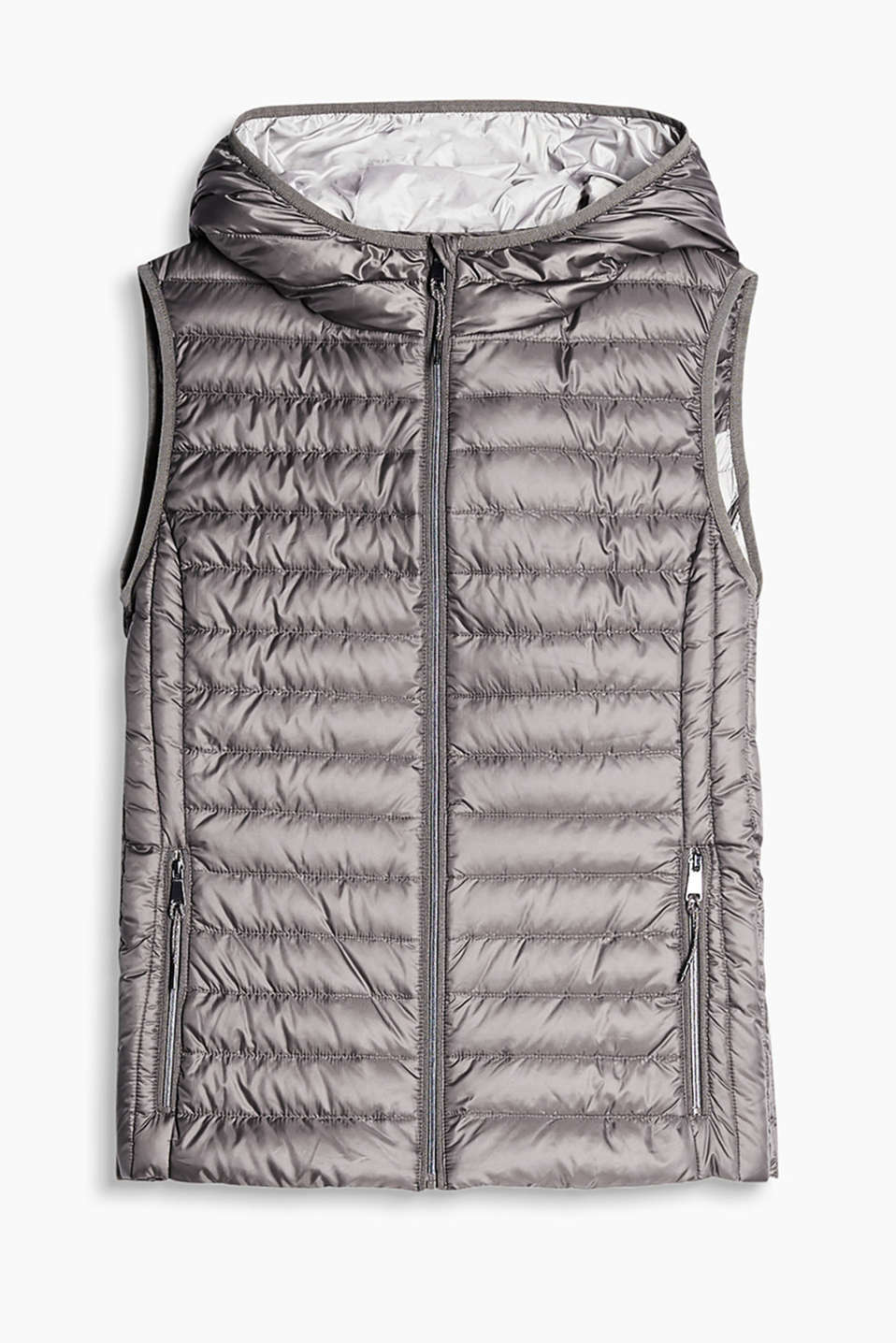 Keeps you warm yet feels super lightweight and soft: quilted body warmer with a hood