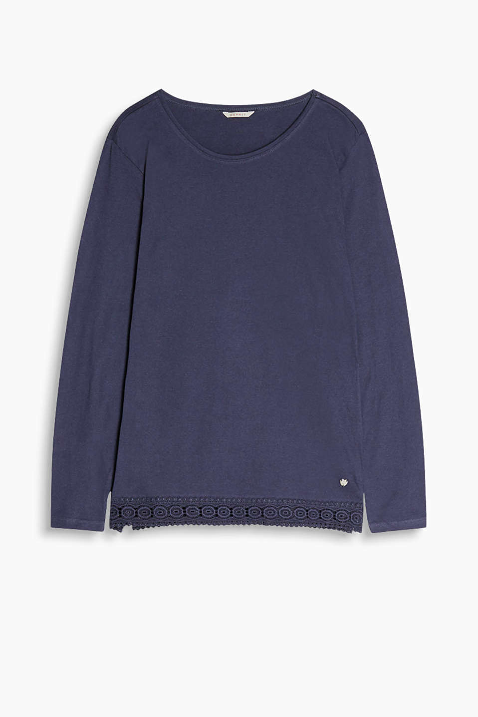 Long sleeve top with a round neckline made of soft blended cotton