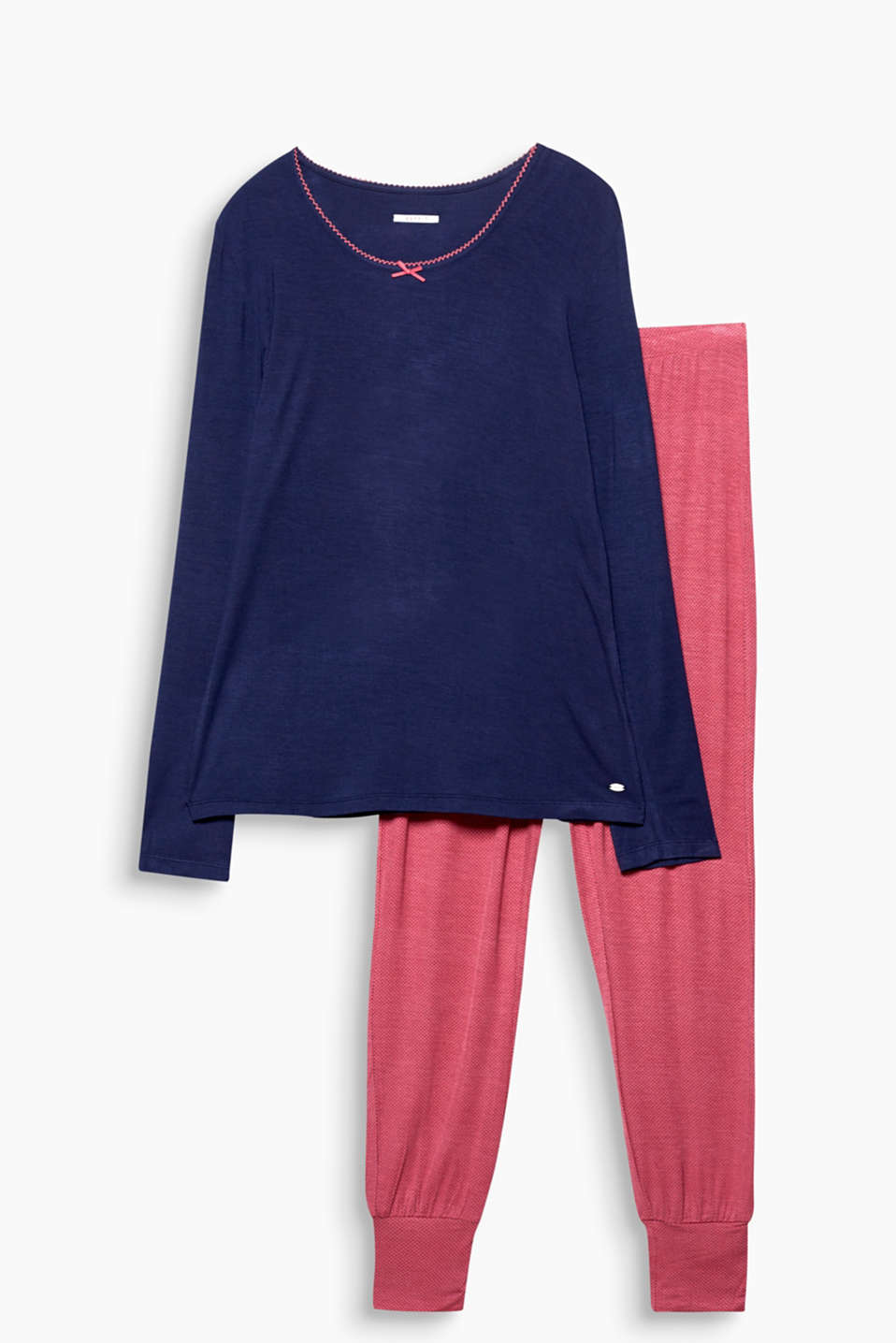 Feminine and flowing – jersey pyjamas with plain long sleeve top and polka dot bottoms will have you feeling great!