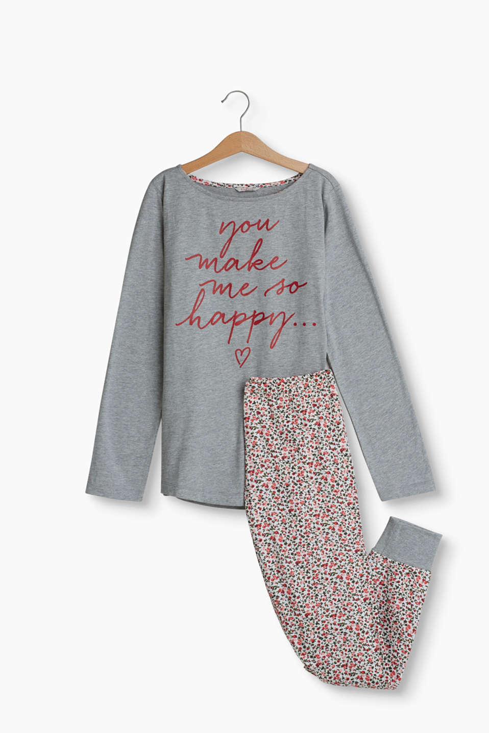 These pyjamas are wonderfully soft in a trendy design with a slogan print and floral pattern.