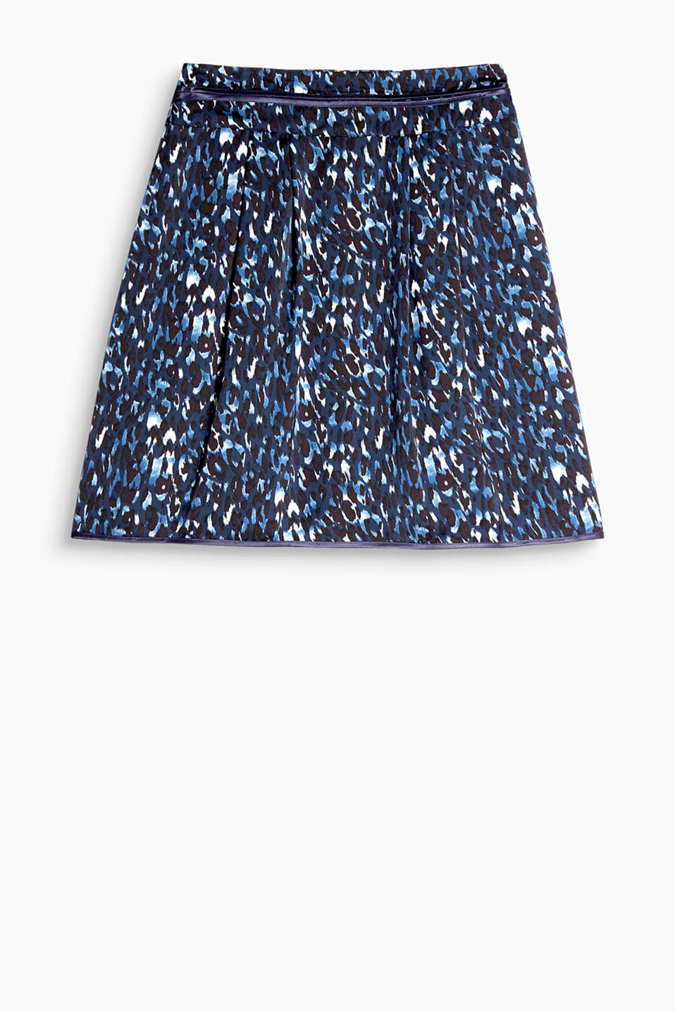 Flared skirt in flowing, gently shimmering fabric