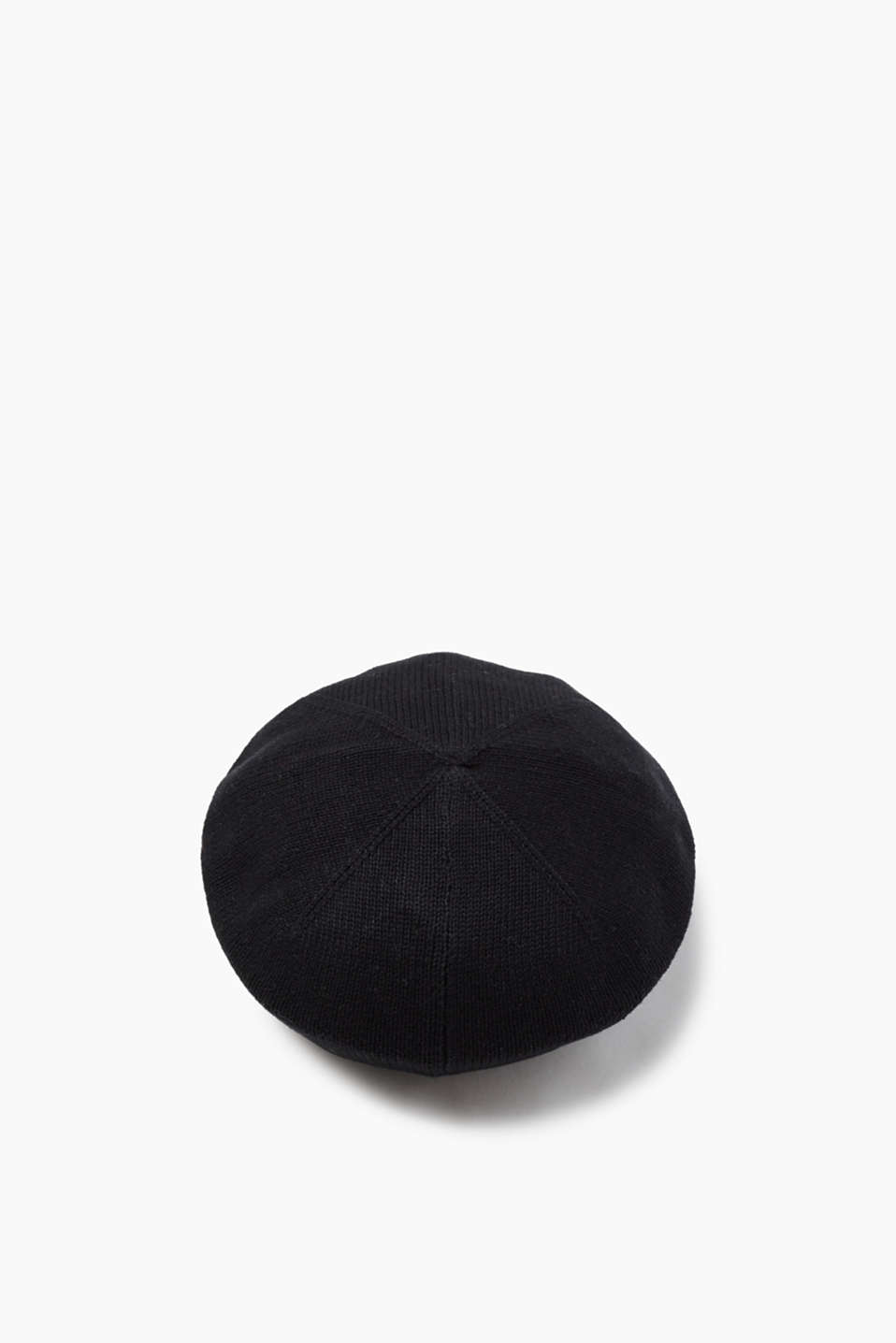 With a ribbed trim: fine knit cotton beret
