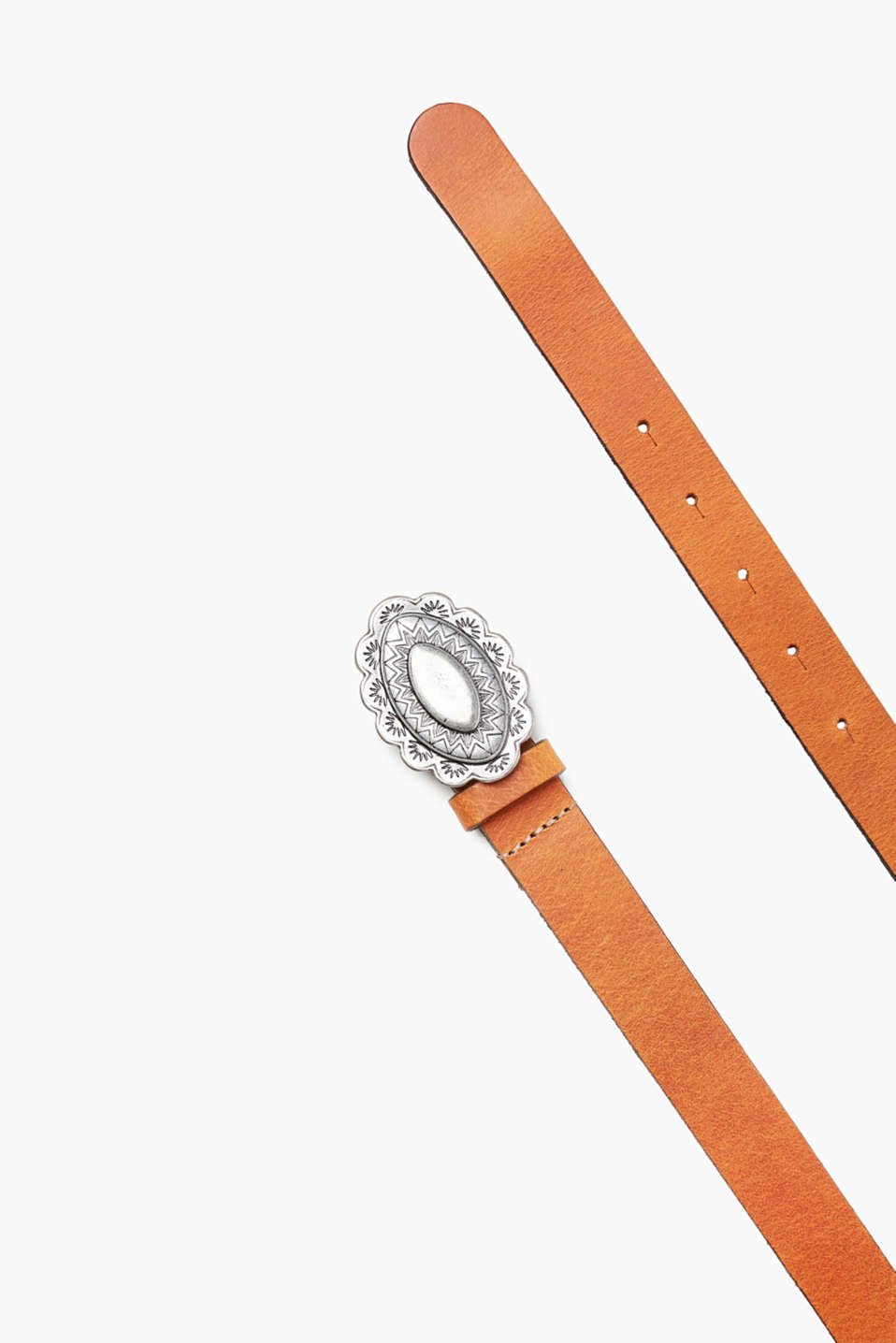 In robust buffalo leather: belt with a decorative buckle