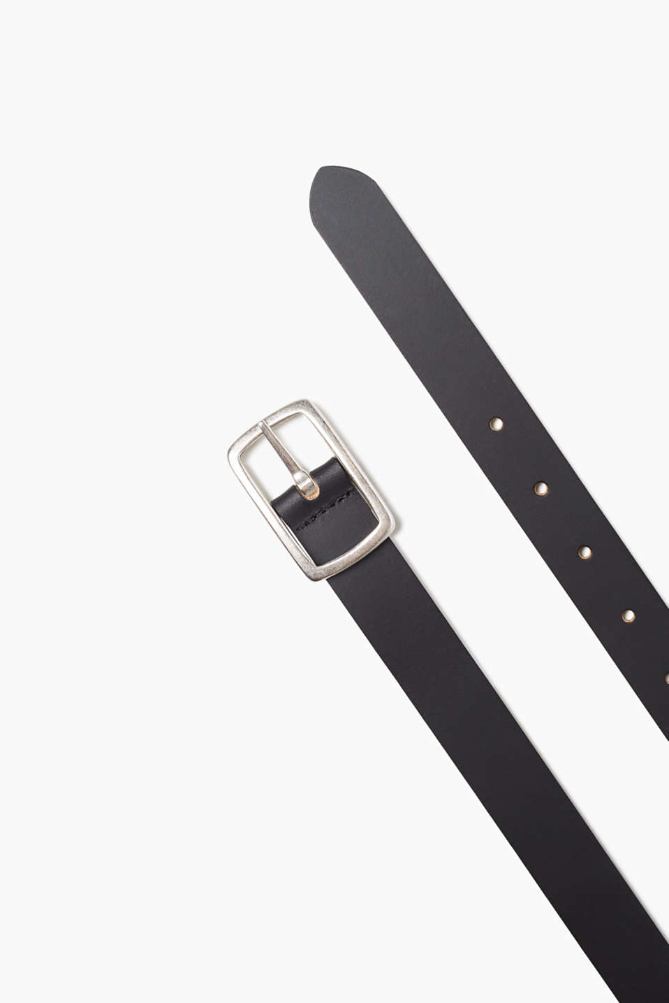 With two good sides: reversible belt with a plain side and camouflage look, 100% leather