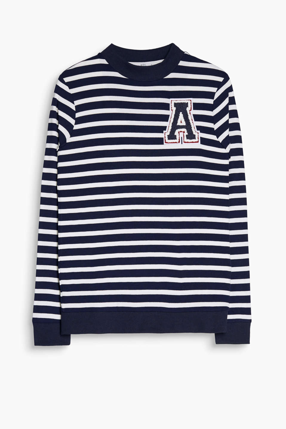 Blikfang i fritiden: stribet sweater i ribjersey med patch i college style