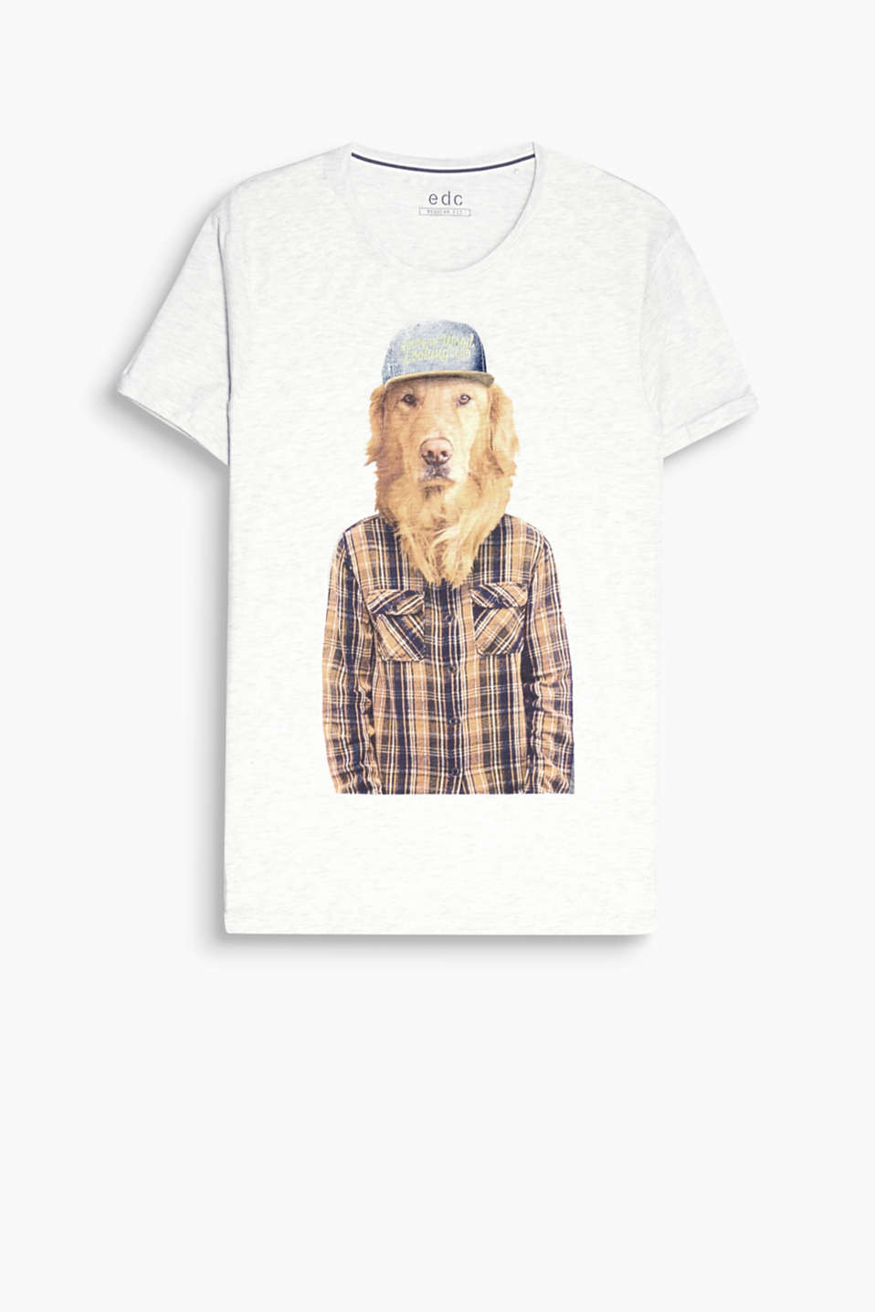 Cool Dog! The stylish photo print makes this T-shirt extremely eye-catching.