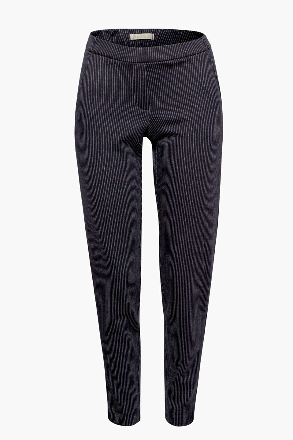 Smart and comfortable: these tracksuit bottoms with pinstripes and an elasticated waistband combine comfort and chic!
