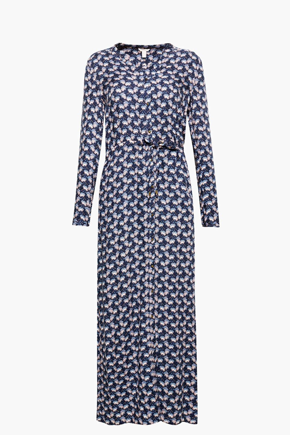 Feminine style can be so casual: maxi dress with a Henley neckline, full-length button placket and floral print