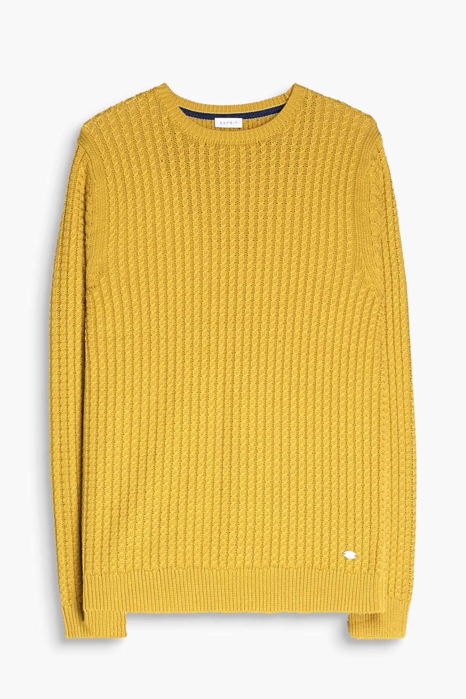 We love knitwear! This jumper with a narrow cable knit pattern is the perfect example!