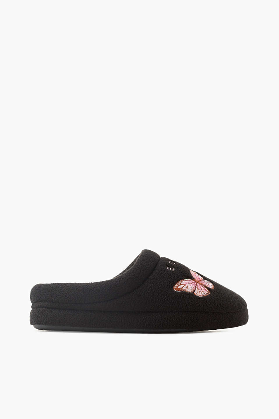 The pretty butterfly appliqué on the vamp accentuates the lightness of these cosy fleece slip-ons