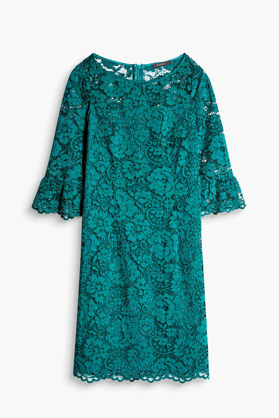 This ultra-feminine dress enchants with elegant floral lace and three-quarter length trumpet sleeves.