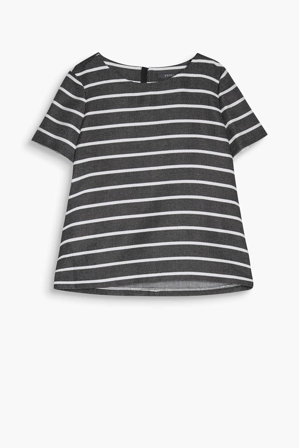 Stripes and texture – a strong combination! Casual blouse with a rear zip, made of blended cotton