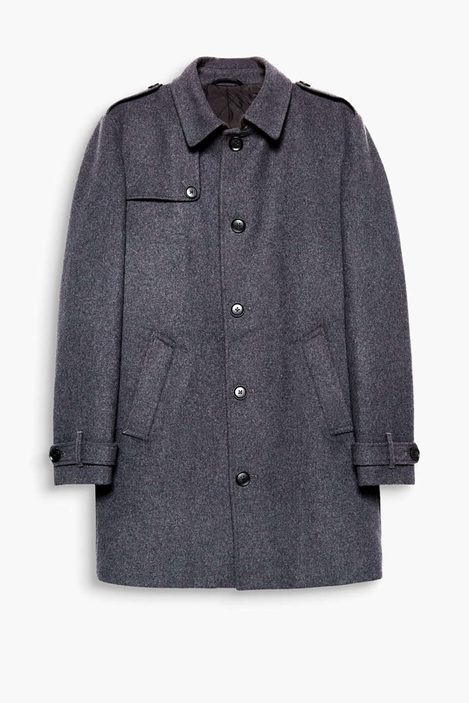 A modern and timeless look for the cold season! This coat features military influences