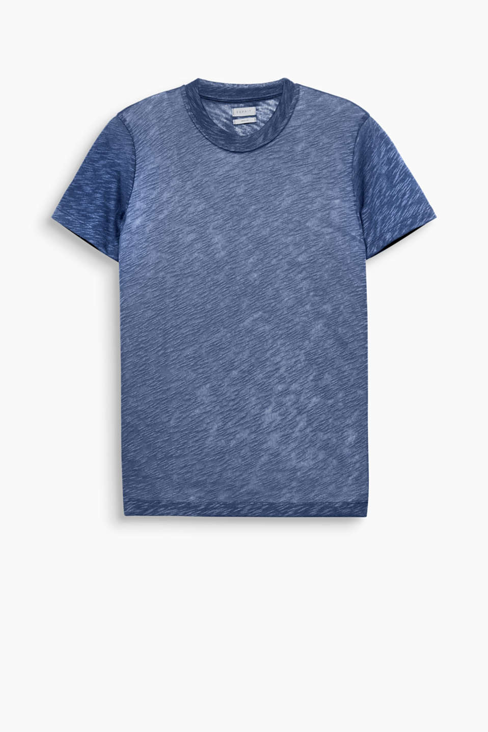 The wide round neckline and slub texture make this loosely cut T-shirt a head-turning piece.